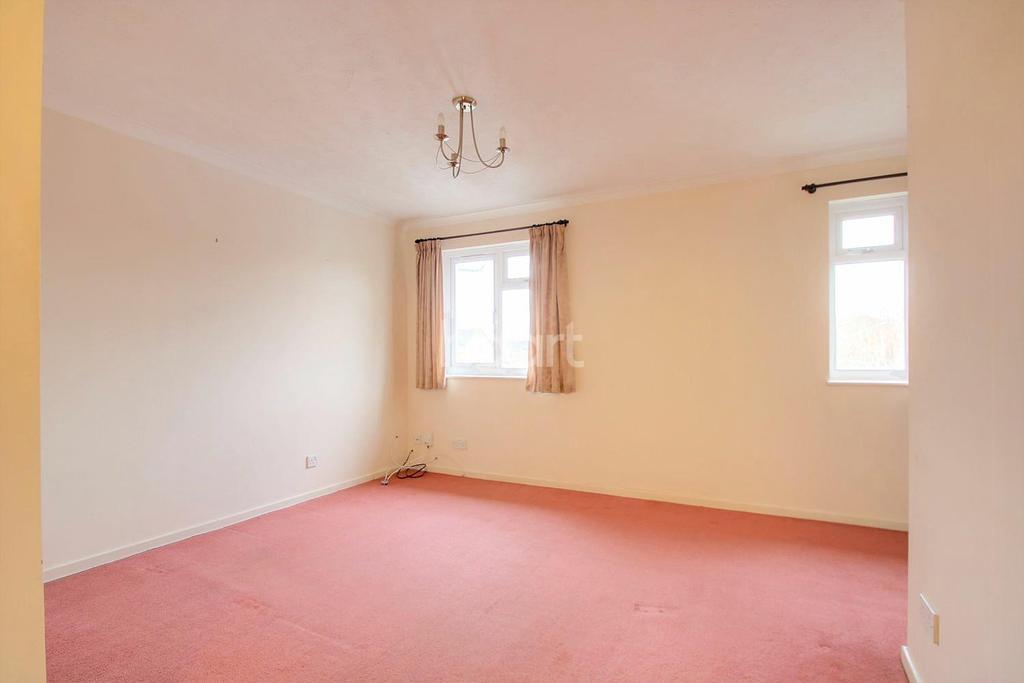 1 Bedroom Maisonette Flat for sale in Shepperton Close, Lordswood