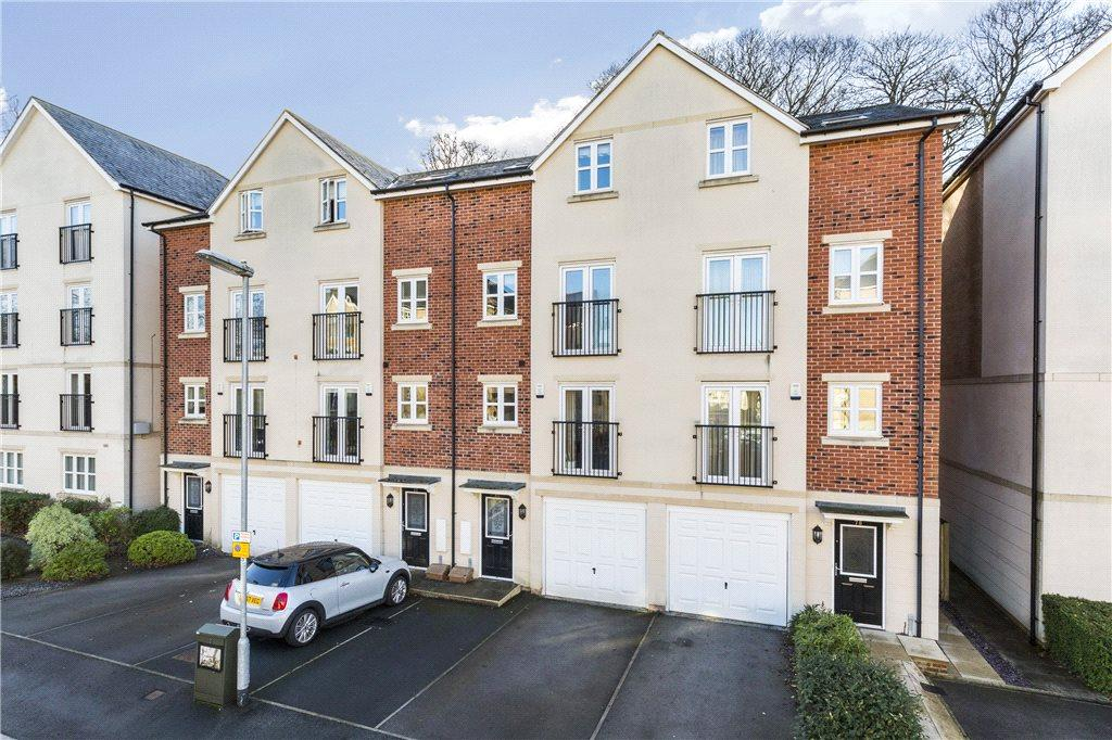 4 Bedrooms Terraced House for sale in Montgomery Avenue, Leeds, West Yorkshire