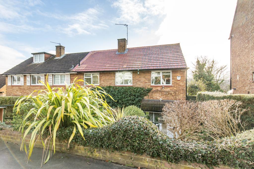 3 Bedrooms Semi Detached House for sale in Kingsdown Avenue, South Croydon, Surrey, CR2 6QJ