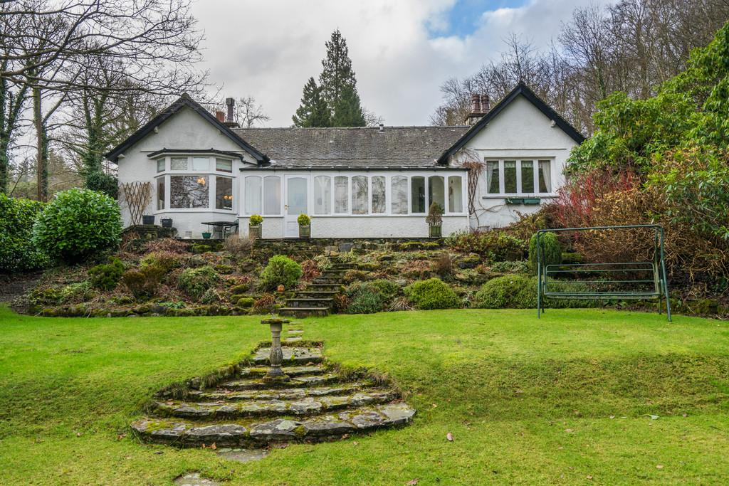 3 Bedrooms Detached Bungalow for sale in Squirrel Bank, Ferry View, Bowness On Windermere, Cumbria, LA23 3JB