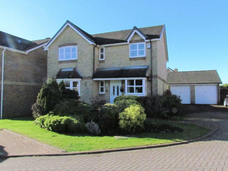 4 Bedrooms Detached House for sale in Oakleigh View, Baildon