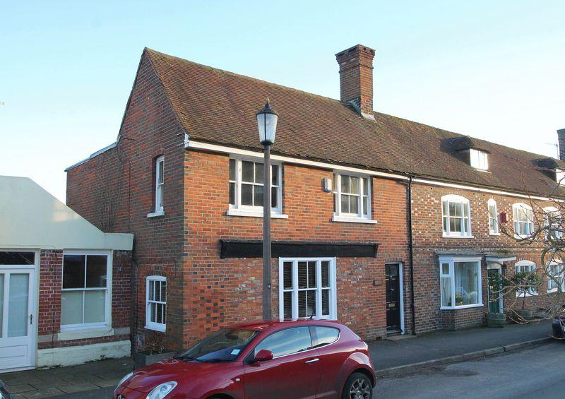 4 Bedrooms Semi Detached House for sale in High Street, Elham