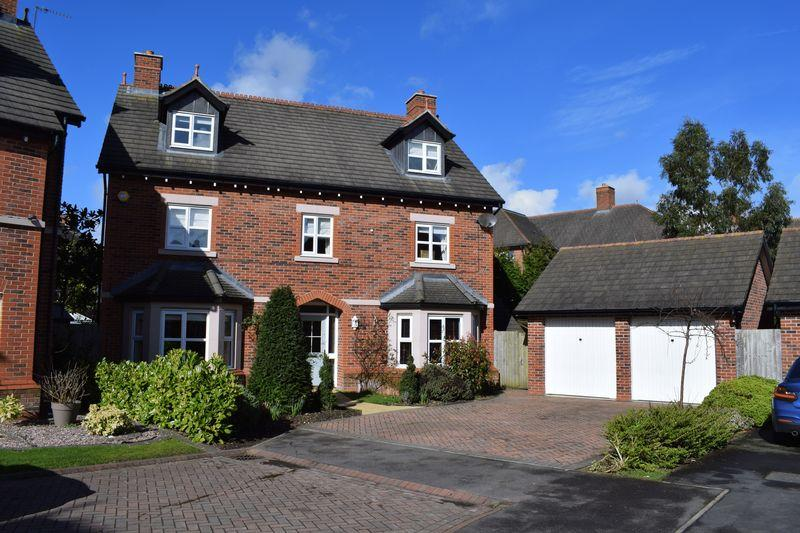 5 Bedrooms Detached House for sale in Sandmoor Place, Lymm