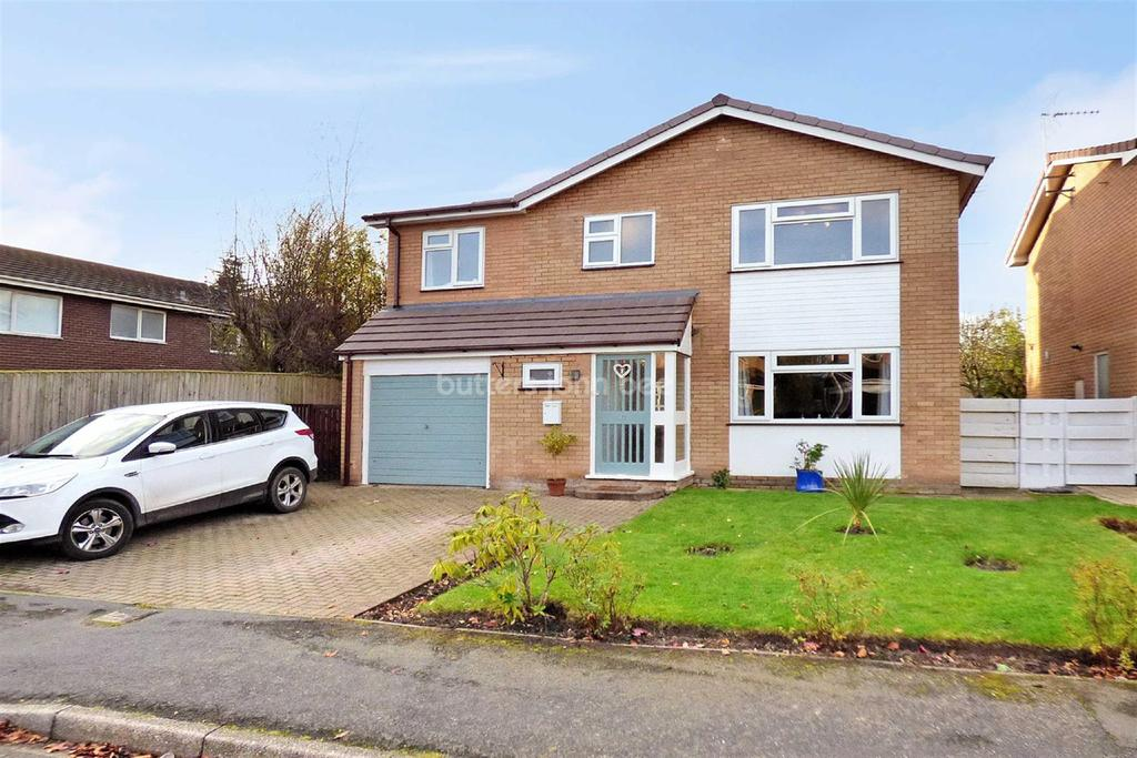4 Bedrooms Detached House for sale in Comberbach, Northwich