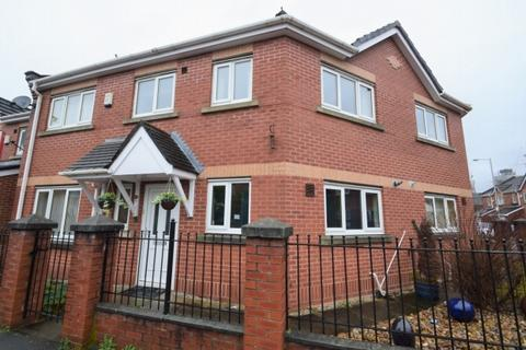 3 bedroom semi-detached house to rent - Warde Street Hulme Manchester