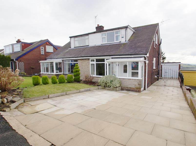 3 Bedrooms Semi Detached Bungalow for sale in Belmont Ave, Springhead OL4