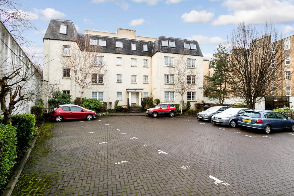 2 Bedrooms Flat for sale in 39/7 Caledonian Crescent, James Square, Dalry, Edinburgh, EH