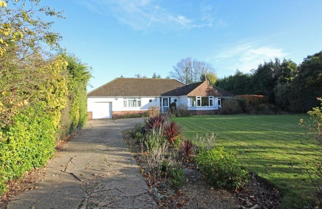 3 Bedrooms Detached Bungalow for sale in Yarmouth Road, North Walsham