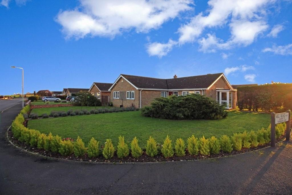 4 Bedrooms Detached Bungalow for sale in Thirlby Road, North Walsham