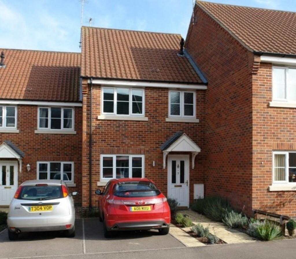 3 Bedrooms Terraced House for sale in Arnold Pitcher Close, North Walsham