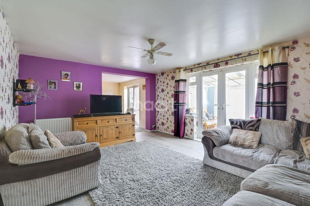 4 Bedrooms Semi Detached House for sale in Homefields Avenue, Benfleet