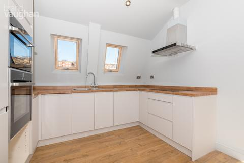 2 bedroom flat to rent - Devonian Court, Park Crescent Place, Brighton, BN2