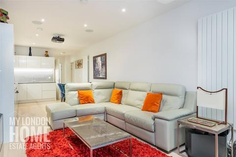 3 bedroom apartment for sale - Liner House, Royal Wharf, Royal Docks, E16