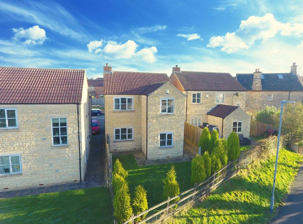 4 Bedrooms Detached House for sale in The Stackyard, Croxton Kerrial, Grantham