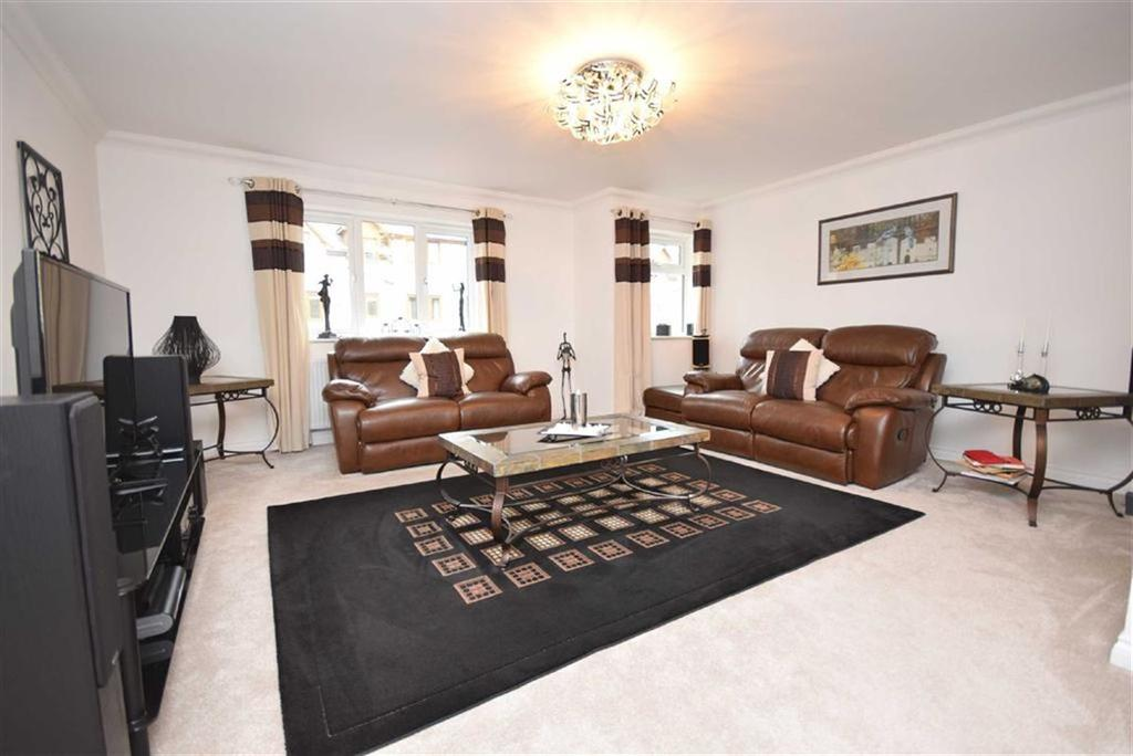 3 Bedrooms Town House for sale in Standroyd Court, Colne, Lancashire