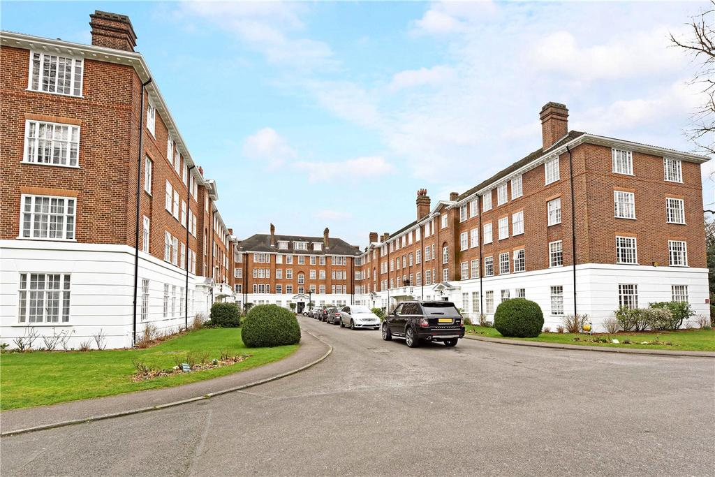 2 Bedrooms Flat for sale in Albemarle, Wimbledon Park Side, London, SW19
