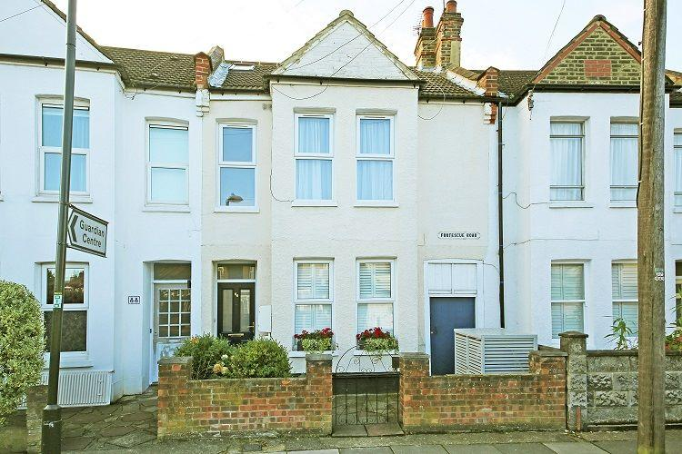 4 Bedrooms Maisonette Flat for sale in Fortescue Road