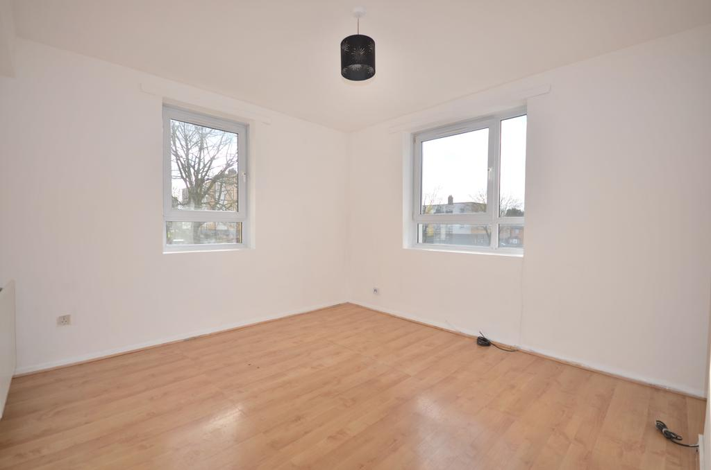 3 Bedrooms Flat for sale in Fairlawn Elm Tree Court SE7