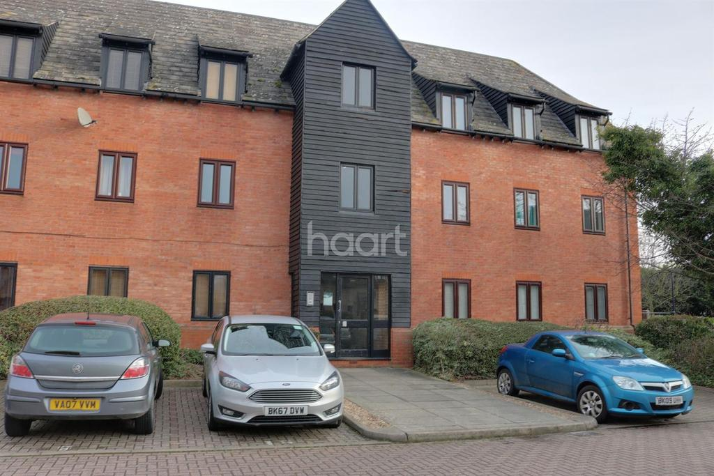 2 Bedrooms Flat for sale in Canvey Walk, Chelmsford