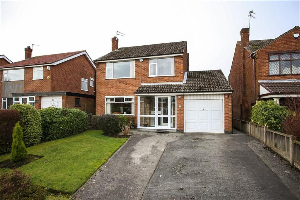 3 Bedrooms Detached House for sale in Buckingham Road West, Heaton Moor