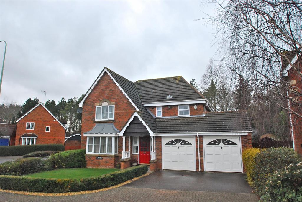 4 Bedrooms Detached House for sale in Tassel Road, Bury St. Edmunds