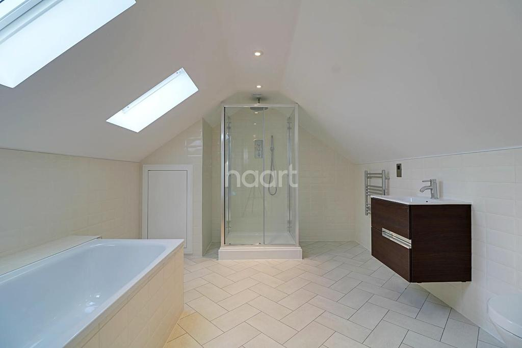 4 Bedrooms Terraced House for sale in Phoenix Mews, Blue Bell Hill