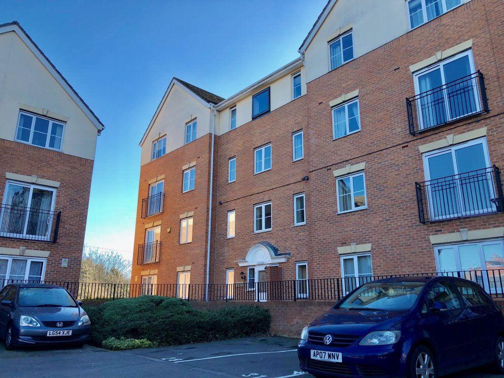 2 Bedrooms Apartment Flat for rent in Mayfair Court, Wakefield