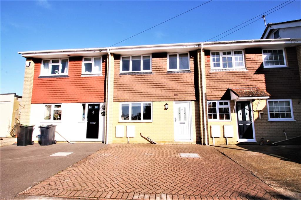 3 Bedrooms Terraced House for sale in Alma Road, Eccles, Aylesford
