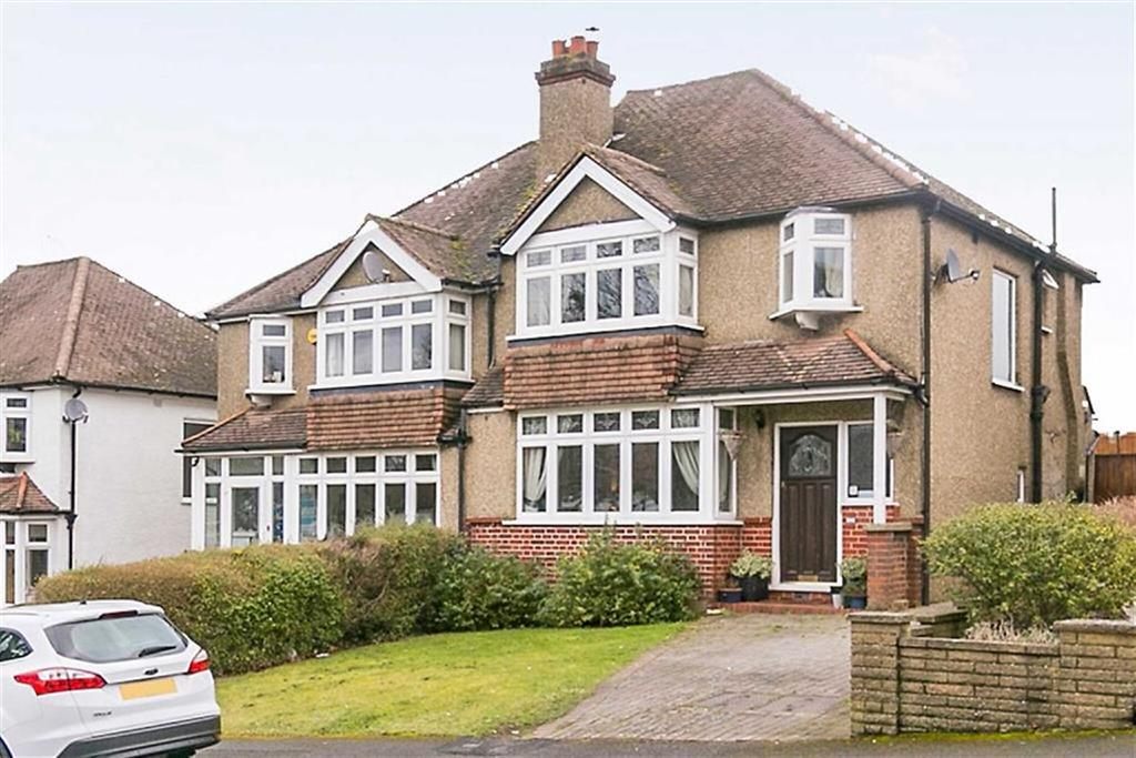 3 Bedrooms Semi Detached House for sale in The Oval, Banstead, Surrey