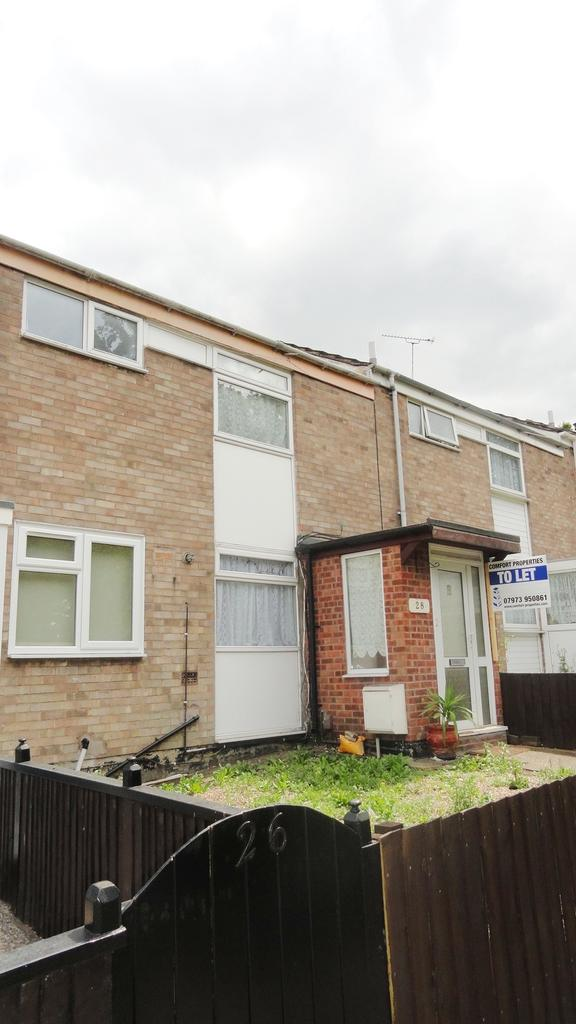 3 Bedrooms Terraced House for sale in Rowlatts Hill Road, Leicester LE5