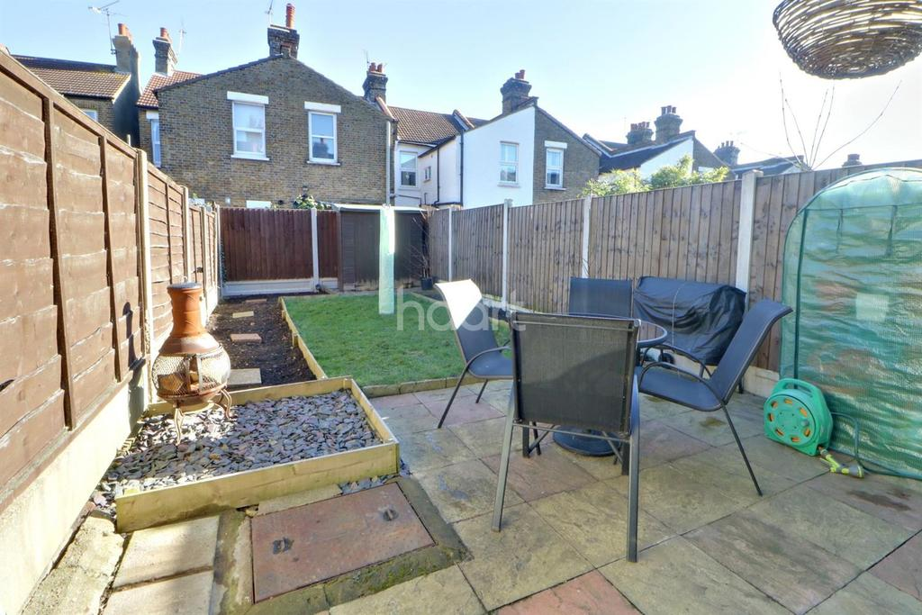 2 Bedrooms Terraced House for sale in Brighton Avenue, Southend On Sea