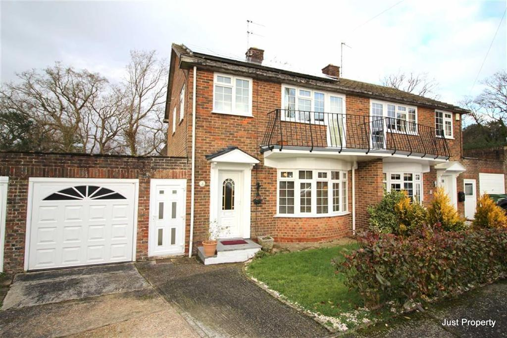 3 Bedrooms Semi Detached House for sale in Wingate Close, St Leonards On Sea