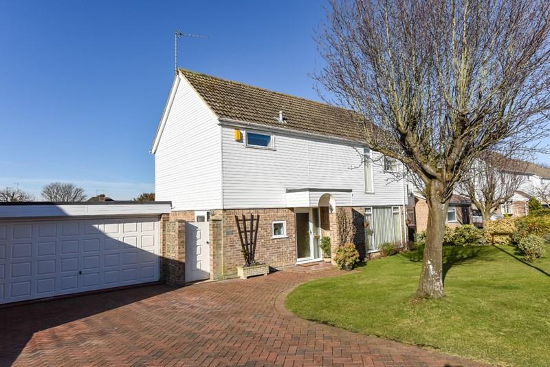 4 Bedrooms Detached House for sale in Newcomb Close, Andover