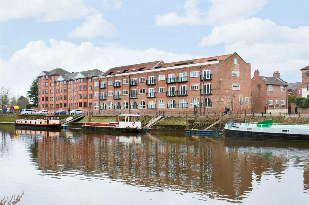 2 Bedrooms Flat for sale in 4 Waterfront House, Clementhorpe, York