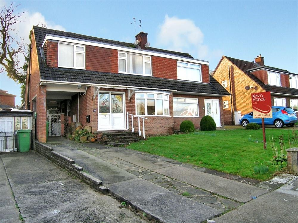 3 Bedrooms Semi Detached House for sale in Carisbrooke Way, Penylan, Cardiff