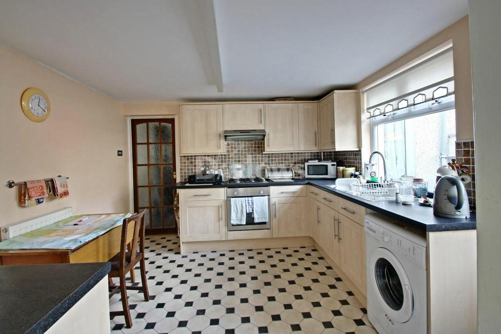 3 Bedrooms Terraced House for sale in Bennett Street, Blaina, Blaenau Gwent