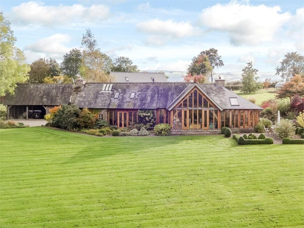 4 Bedrooms Detached House for sale in Clifford, Nr Hay on Wye, Herefordshire