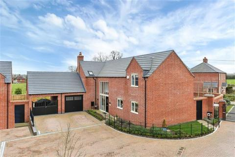 4 bedroom detached house for sale - Briar Rose Close, North Kilworth, Leicestershire