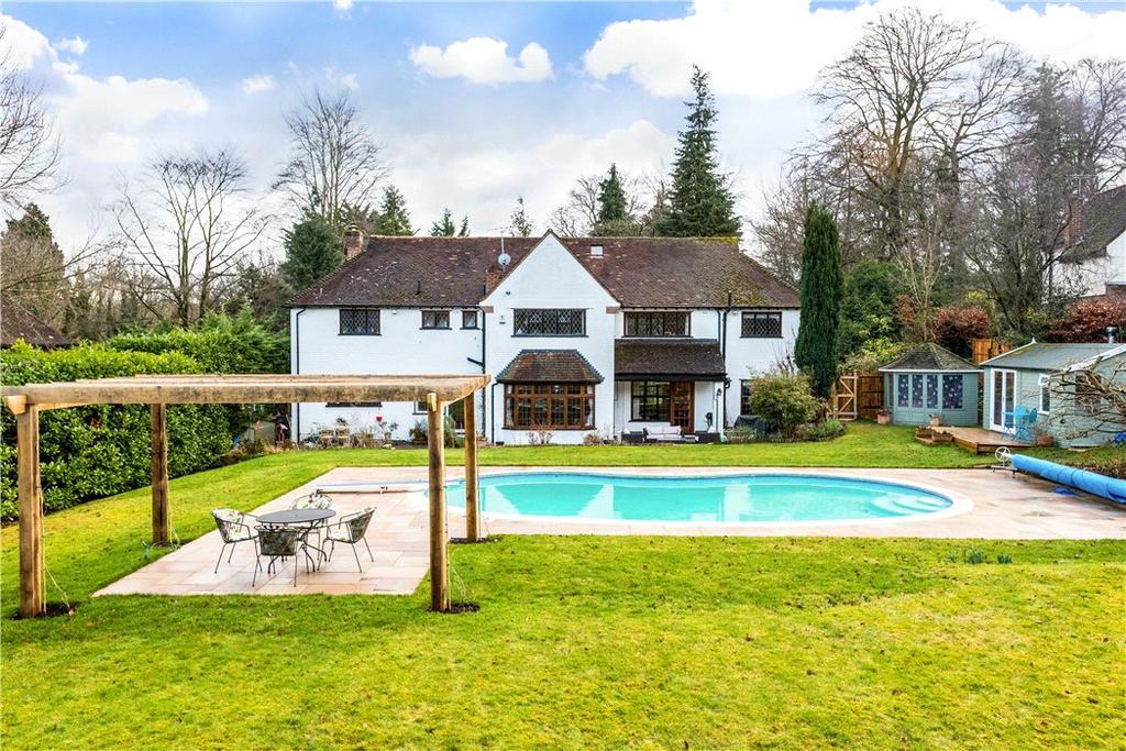 4 Bedrooms Detached House for sale in Guildford Road, Fetcham, Leatherhead, Surrey, KT22