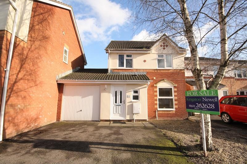 3 Bedrooms Detached House for sale in Manor Park, Newport, Newport. NP10 8SA