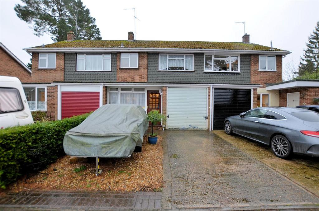 3 Bedrooms Terraced House for sale in Cecil Aldin Drive, Tilehurst, Reading