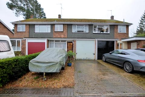 3 bedroom terraced house for sale - Cecil Aldin Drive, Tilehurst, Reading