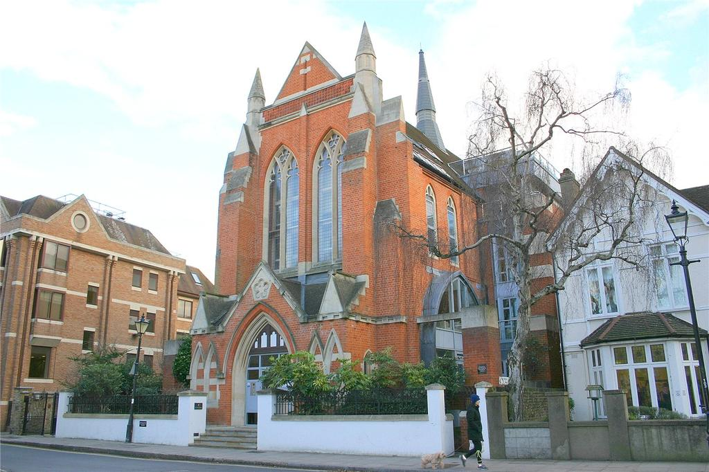 3 Bedrooms Flat for sale in Little Green, Richmond, TW9