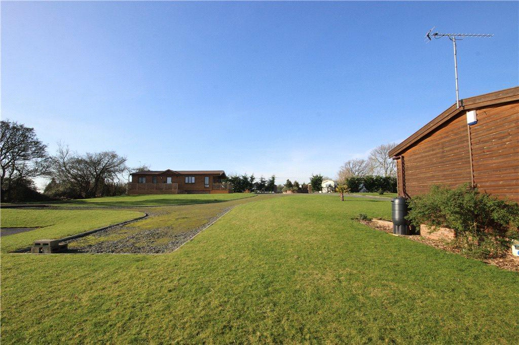 3 Bedrooms Detached House for sale in Neilson Grove, Neilson Park, Defford, Worcestershire, WR8