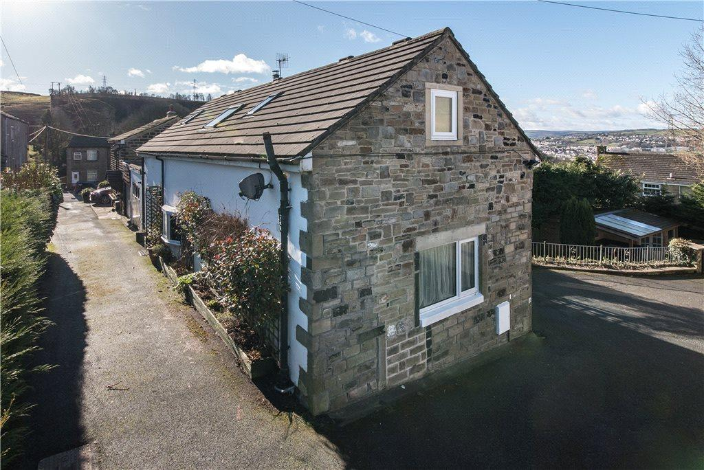 3 Bedrooms Unique Property for sale in Rose Cottage, Low Fold Farm, Long Lee Lane, Keighley