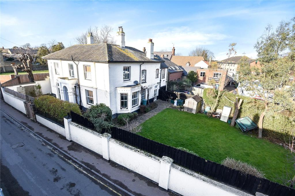 4 Bedrooms Detached House for sale in Exeter Road, Newmarket, Suffolk, CB8