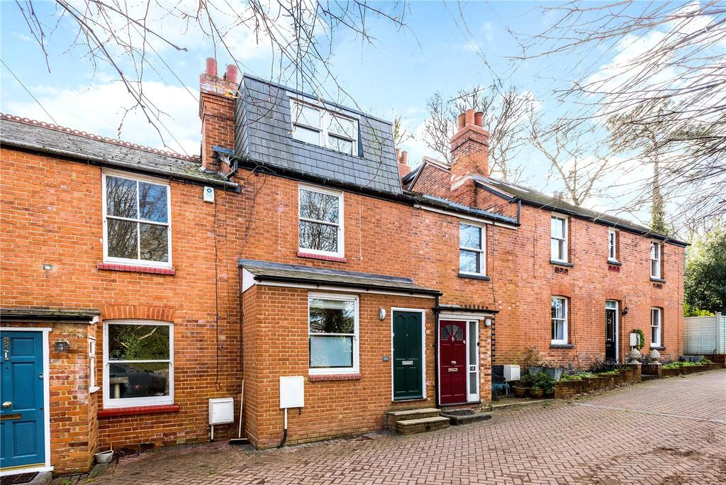 3 Bedrooms Terraced House for sale in Truss Hill Road, Sunninghill, Berkshire, SL5
