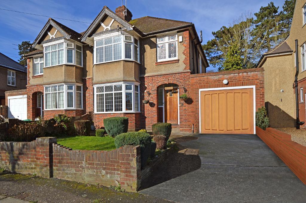 3 Bedrooms Semi Detached House for sale in Cutenhoe Road, South Luton, Luton, LU1 3NB