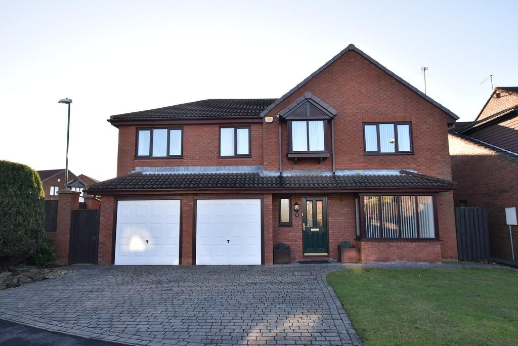 5 Bedrooms Detached House for sale in Leander Drive, Henley Grange