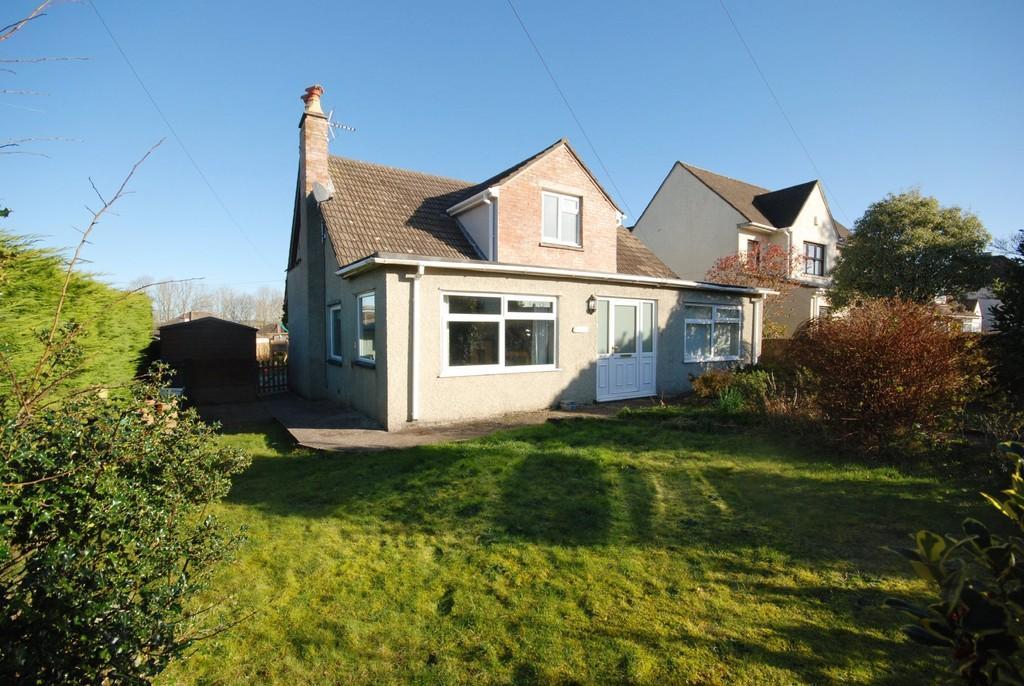 3 Bedrooms Detached Bungalow for sale in Love Lane, Llanblethian, Cowbridge, CF71 7JQ